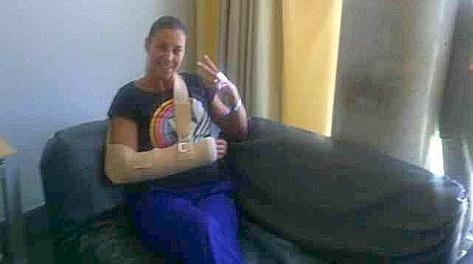Flavia Pennetta dopo l'intervento nella foto postata su Twitter