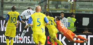 Belfodil anticipa Cesar: vantaggio Parma. Ansa