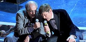 Gianni Morandi insieme ad Adriano Celentano. Ansa