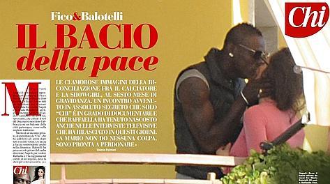 Mario e Raffaella, e il bacio su
