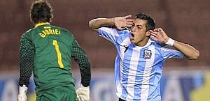 Rogelio Funes Mori esulta dopo un gol. Reuters