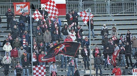 Tifosi del Bari a La Spezia. Lapresse