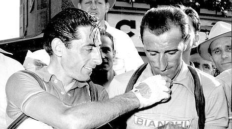 Fausto Coppi e Andrea Carrea il 4 luglio 1952 al Tour de France del 1952. Arch. Gazz.