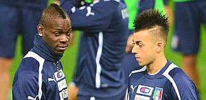 Mario Balotelli e Stephan El Shaarawy in Nazionale. Afp