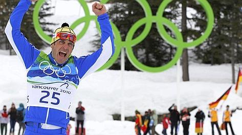 La gioia di Pietro Piller Cottrer, argento olimpico a Vancouver 2010.