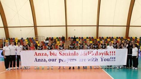Le compagne dell'Azerrail Baku pregano per Sara Anzanello