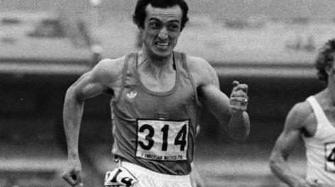 Pietro Mennea durante la gara dei 200 vinta a Città del Messico nel 1979 in 19''72. Ap