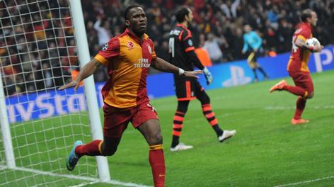 L'esultanza di Drogba dopo il gol del 3-1. Afp