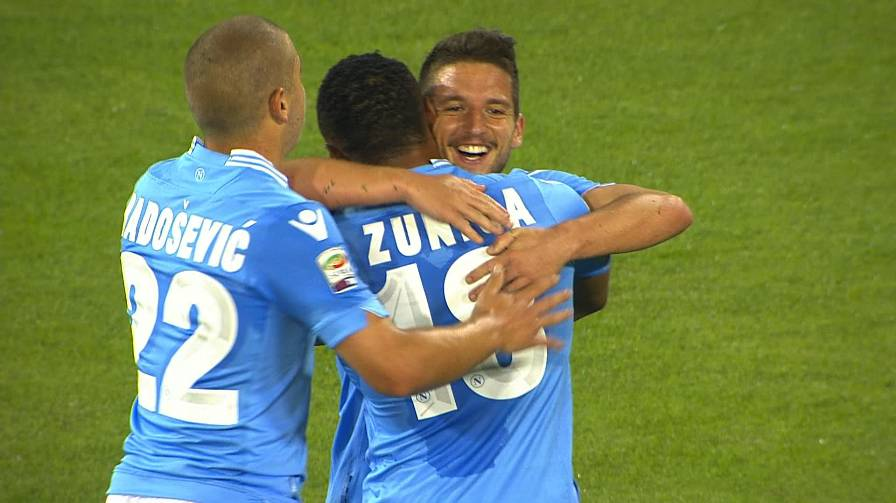 Napoli-Verona 5-1  highlights - Video Gazzetta.it 4147a2cfa44c