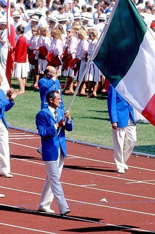 Pietro Mennea portabandiera ai Giochi di Seul 1988