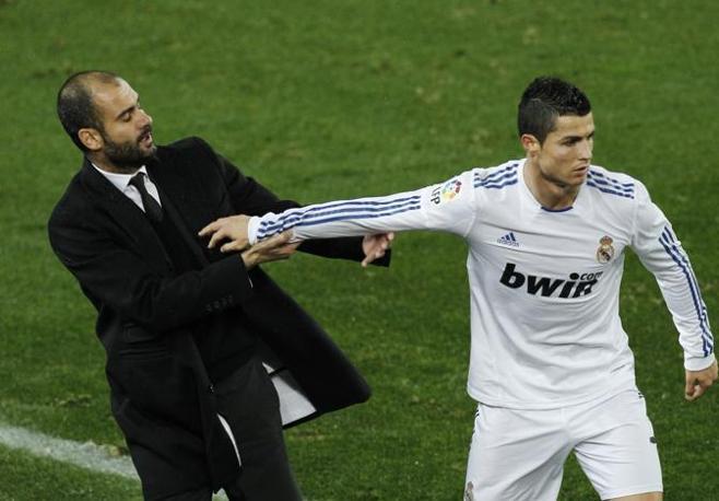 Il portoghese si era innervosito alla mezz'ora, arrivando anche a spingere Guardiola. Ap