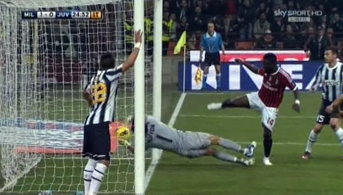 L'immagine di Sky Sport rende tutto più chiaro... E l'assistente Romagnoli era in linea...