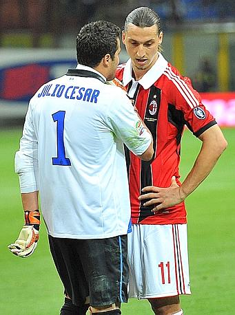 Julio Cesar e Ibra a confronto. Ansa