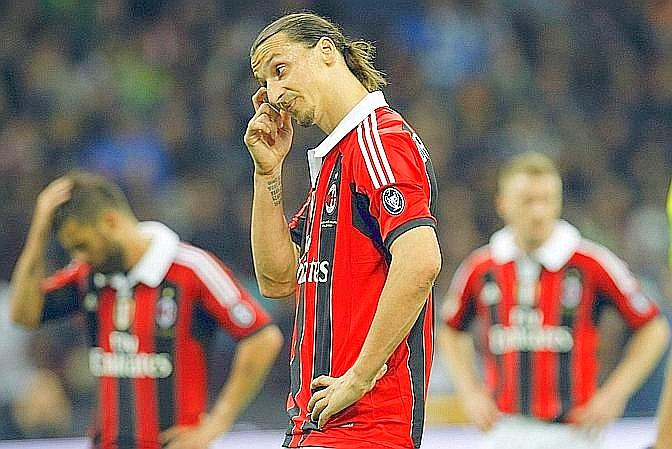 Ibra e lo scudetto che se ne va in fumo. Reuters