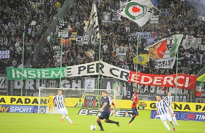 I tifosi della Juventua a Trieste. Ansa