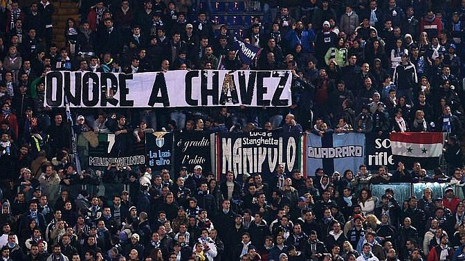 Gli ultras della Lazio ricordano Hugo Chavez. Afp