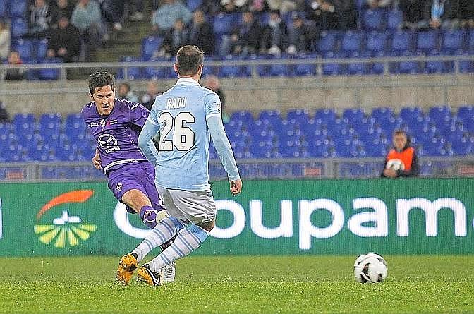 Il destro vincente di Jovetic, Fiorentina in vantaggio. Ansa