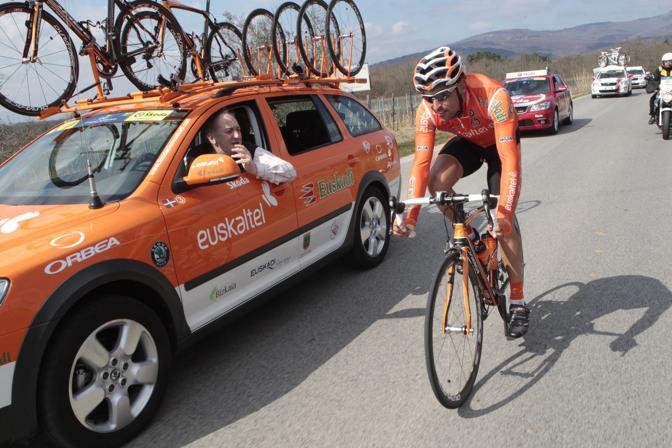 Daniel Sesma della Euskaltel-Euskadi in fuga dal primo chilometro