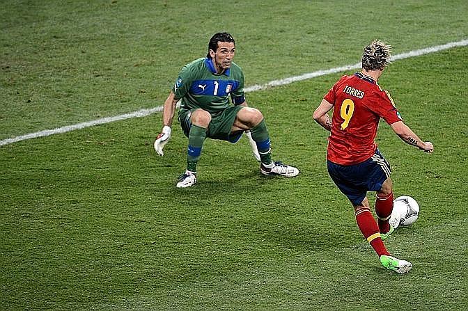 E 9' dopo El Niño colpisce duro: 3-0 Spagna. Ap