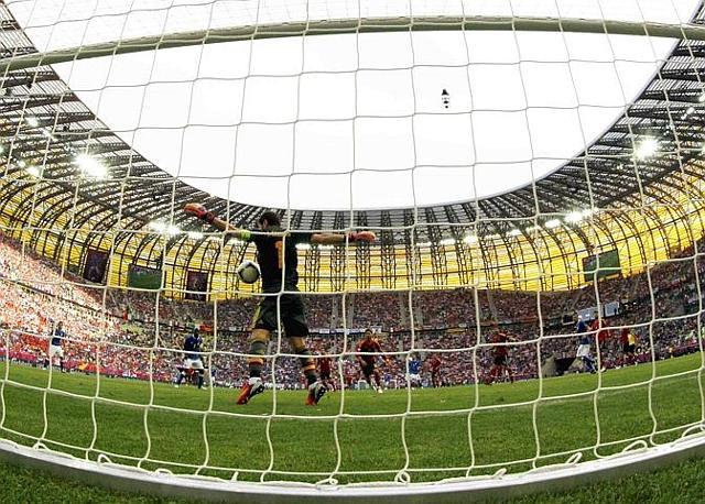 Casillas domina la Gdansk Arena, Reuters