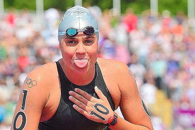 """Martina Grimaldi, bronzo, nuoto di fondo. La Gazzetta titola: """"Donato e Grimaldi salvano l'atletica e il nuoto. Terzi nel salto triplo e nel fondo"""". Afp"""
