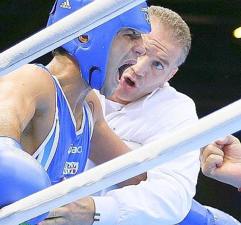 """Vincenzo Mangiacapre, bronzo, boxe, pesi leggeri. La Gazzetta titola: """"L'azzurro perde in semifinale: bronzo. Mangiacapre: """"Non ne avevo, a Rio vincerò"""". Afp"""