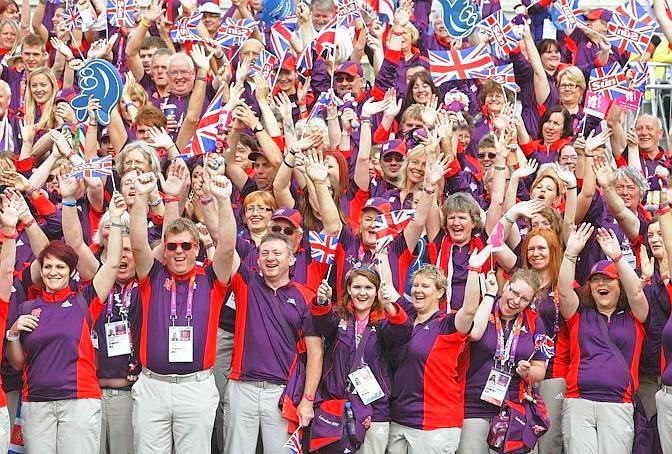 L'esercito dei 14mila volontari che ha contribuito al successo di Olimpiadi e Paralimpiadi. Reuters