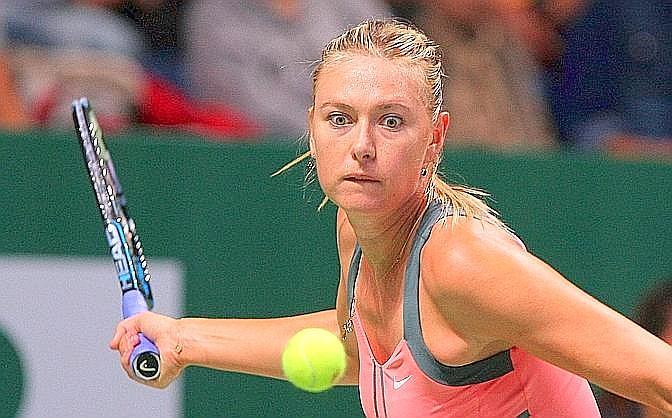 Maria Sharapova conferma il pronostico contro l?azzurra Sara Errani: è finito 6-3 6-2 il match d'esordio dell'azzurra nel Masters Wta di Istanbul. Afp