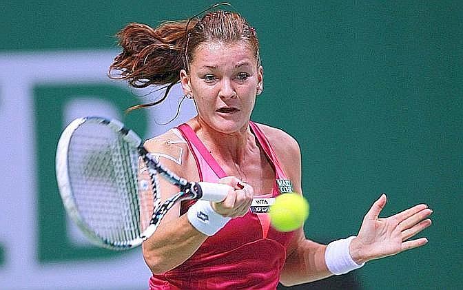 Agnieszka Radwanska ne approfitta alla perfezione, portando a casa la vittoria per 6-3 6-2, nel primo match del gruppo bianco. Ansa