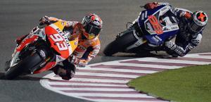 Marquez davanti a Lorenzo: sono appaiati in testa al mondiale. Epa