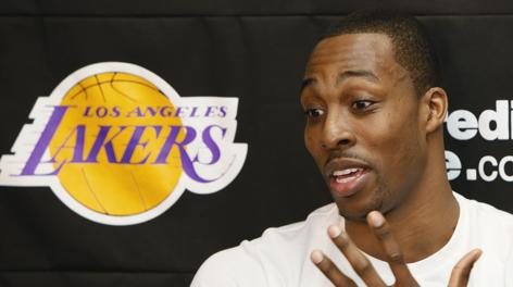 Dwight Howard, 27 anni, ha chiuso la prima stagione ai Lakers con 17,1 punti  e 12,4 rimbalzi di media. Ap