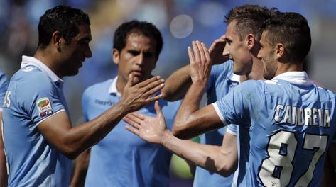 Standing ovation al momento di uscire per Miroslav Klose. Ap