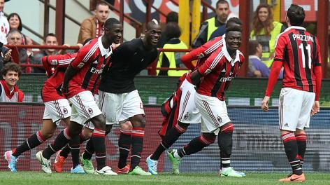 La danza della vittoria  contro il Torino. Ansa