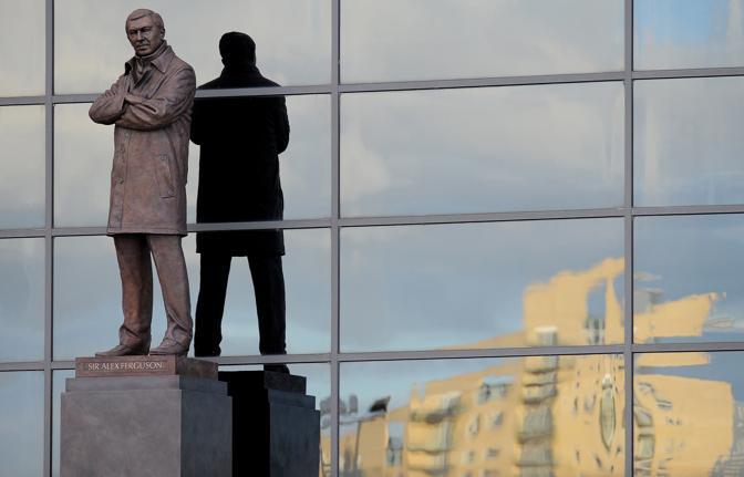 23 novembre 2012. Svelata la statua di bronzo di Ferguson all'Old Trafford. Afp