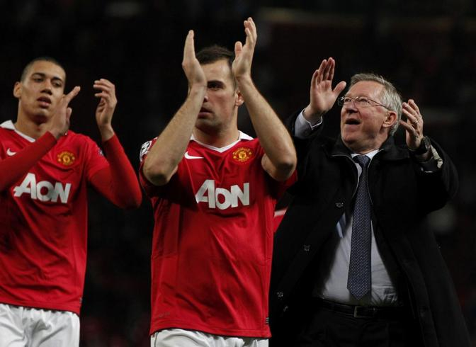 4 maggio 2011. Smalling, Gibson e Ferguson felici dopo la vittoria sullo Schalke 04. Reuters