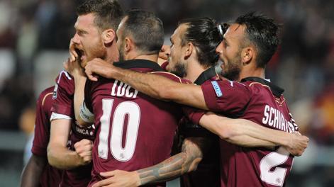 La festa dei calciatori del Livorno. LaPresse