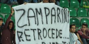 Striscioni contro Zamparini al Barbera. Ansa