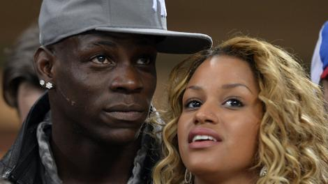 Mario Balotelli e Fanny Neguesha di nuovo insieme. Afp