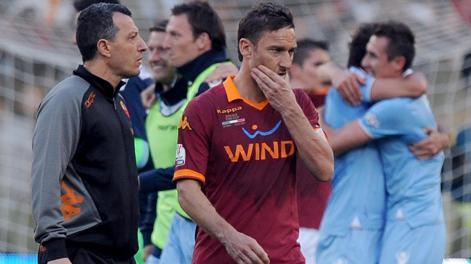 Francesco Totti dopo la sconfitta in coppa Italia. Ansa 8b2f928431620