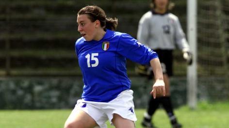 Viviana Schiavi con la maglia della Nazionale nel 2001. Liverani