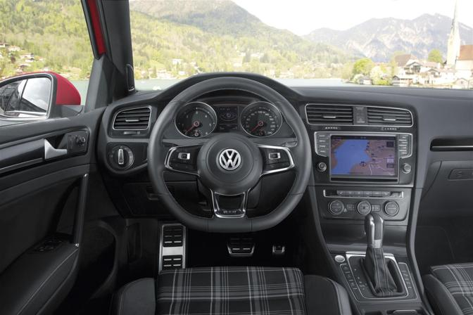 Alpine I D G also New Volkswagen Golf Vii Gti First Photos furthermore Volkswagen Gti Dr Hatchback Base Fq Oem likewise Volkswagenlupogti together with Gti Volkswagen Golf Lowered Stance X Wallpaper. on 2000 volkswagen golf gti
