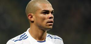 Pepe, difensore portoghese del Real Madrid. Forte