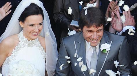 Antonio Conte e la moglie Elisabetta. Ansa