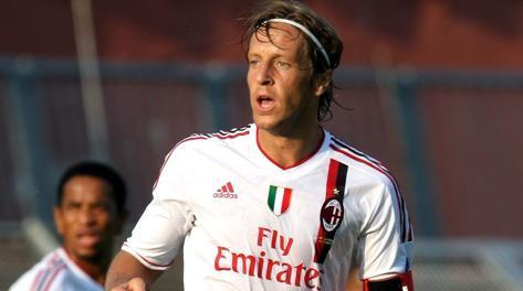 Massimo Ambrosini, 36 anni. Forte