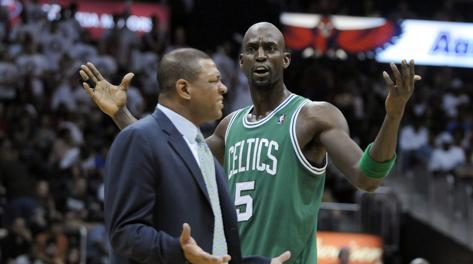 Doc Rivers, 51 anni, e Kevin Garnett, 37. Reuters