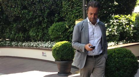 Ecco la foto dell'agente di Stevan Jovetic, Ramadani, appena sbarcato a Milano