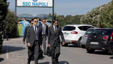 Agenti della Guardia di finanza all'uscita dalla sede del Napoli a Castel Volturno  in una foto di archivio del 3 ottobre 2012. Ansa