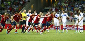 La festa spagnola a fine match. Reuters
