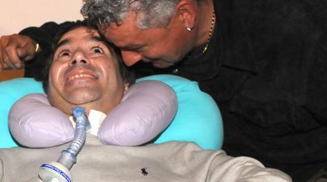 Stefano Borgonovo in un'immagine recente con Roberto Baggio. Omega