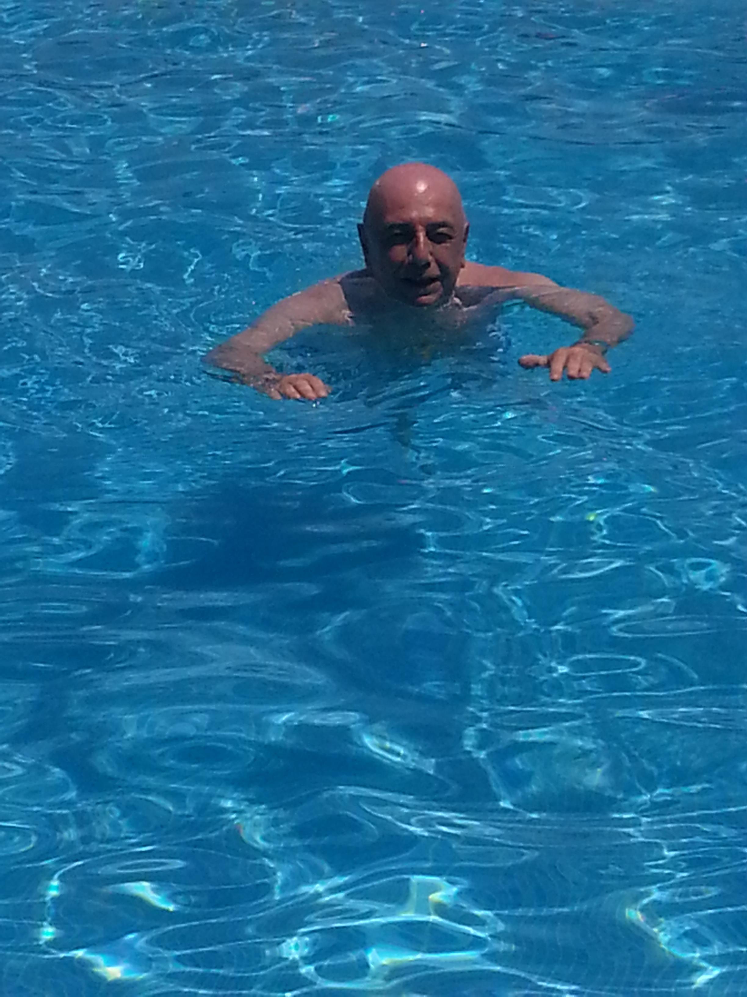 Voglia di vacanze e Adriano Galliani sbarca in Sicilia. Per la precisione a Taormina. (Tutte le foto sono di Saro Laganà)